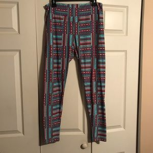 LULAROE Tall Curvey Leggings Red Blue White Cozy